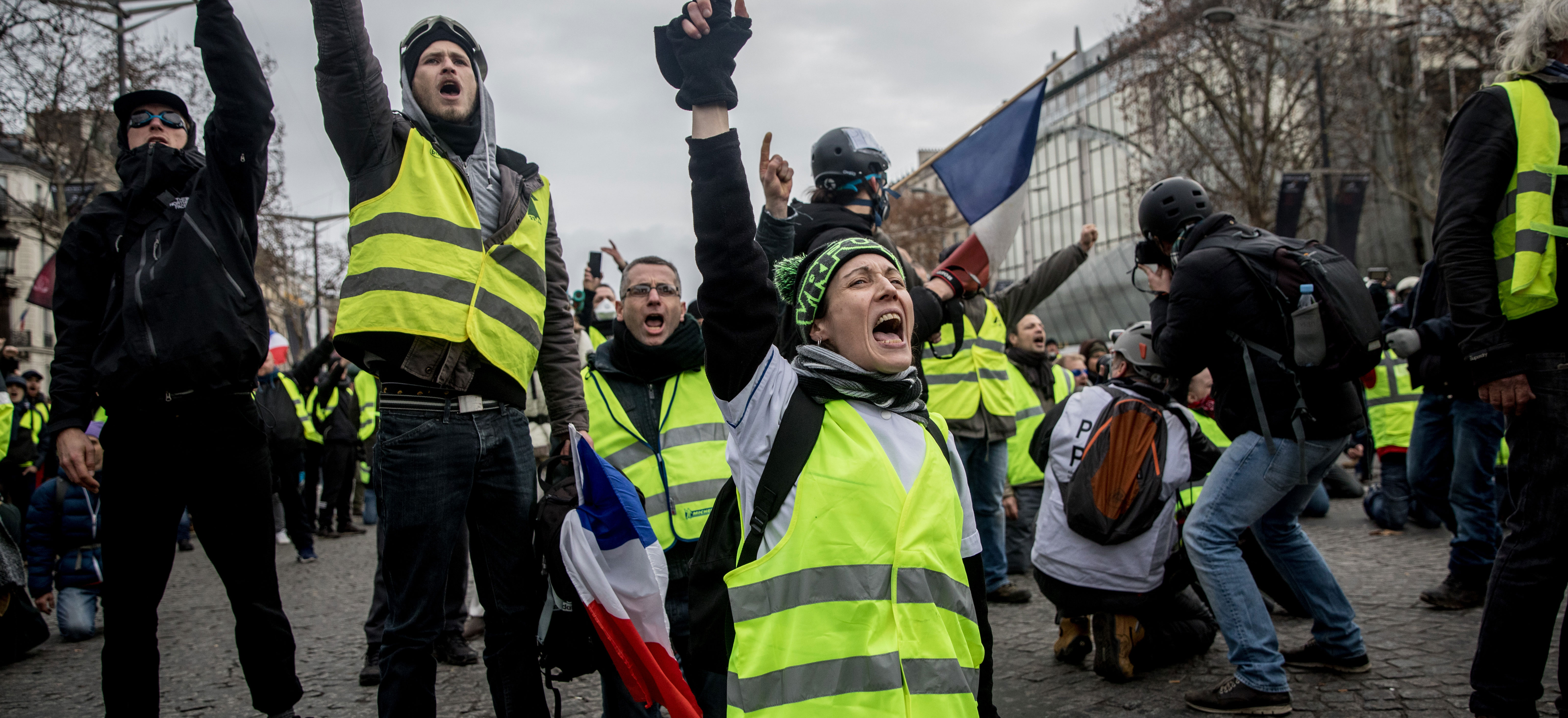 France S Yellow Vests A Test For The Populist Left Dissent Magazine